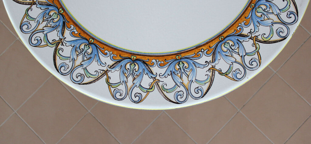 table-round-22-99 detail #1